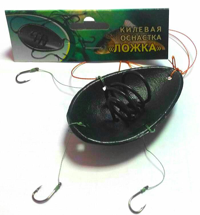 Fidernaya-kormushka-lozhka-sputnik-makushatnik